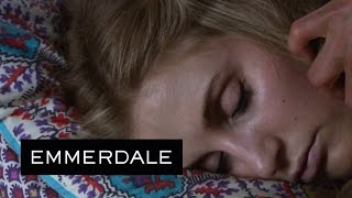 Emmerdale - Moira Discovers Holly's Dead Body