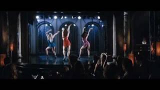 Dancing Girls la dance sous la pluie