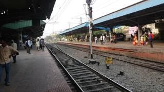 Khulna kolkata Moitry exp trial passing Dum Dum Cant station at 4.24 pm on 8-4-17.
