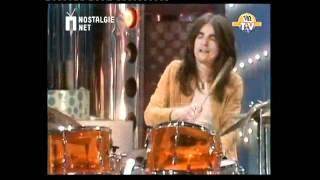 Download Smokie - Living Next Door To Alice (Original TV video 1977) 3Gp Mp4