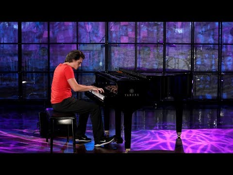 Viral Piano Playing Pizza Delivery Guy Performs