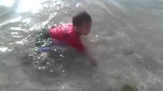 Berenang @Pantai Ujung Genteng
