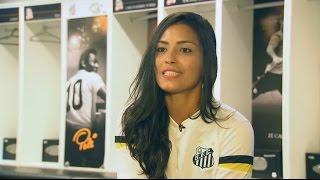 A Musa Alline Calandrini lidera nova geração das Sereias da Vila (26-06-15)