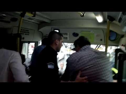 Pelea entre un pasajero y el chofer de un colectivo de la línea Exprebus