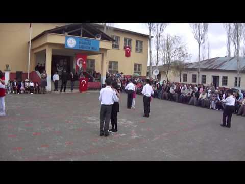 5A SINIFI 23 NİSAN TANGO DANSI GÖSTERİSİ 2011