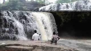 MaadhoSilli Jal Prapaat Photos