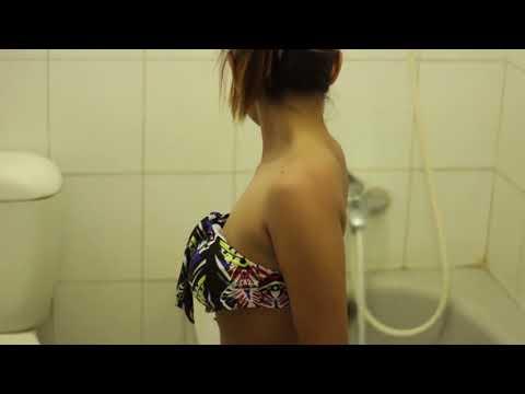 photoshoot model bugil ratri putri lagi mandi