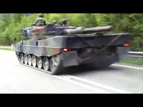 Tanks on public road in Switzerland (Leopard 2)