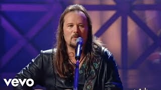 Travis Tritt - Long Haired Country Boy (from Live & Kickin')