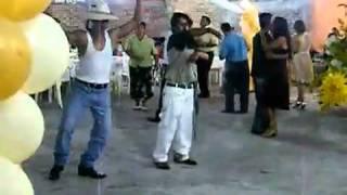 Funny Drunk Guys Dancing