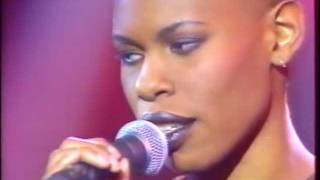 Skunk Anansie - 1996-02-19 Nulle Part Ailleurs