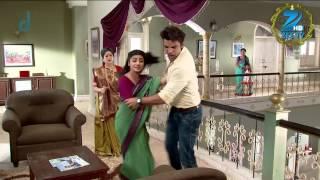 Samrat does not let Urmi enter his house - Episode 235 - Doli Armaanon Ki