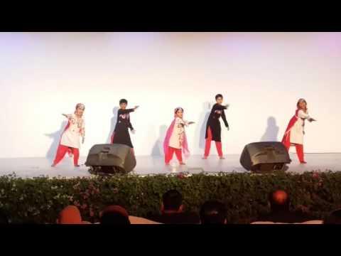 Bhoomro Bhoomro dance