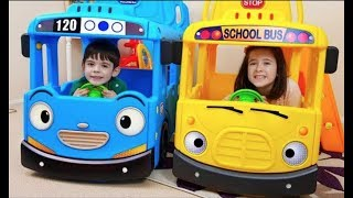 Ride on School Bus and Kids Fun Playing