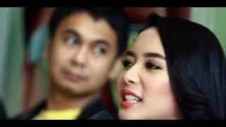 Film Single, Elvira Devinamira : Raditya  Dika Pendek, Ciumannya Susah