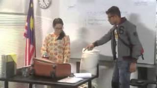 Pendidikan Tinggi Percuma - bangkang dari longkang (lakonan oleh macai)