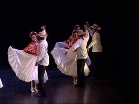 Fiesta en la Huasteca de Compañia Folklórica Alegria Mexicana