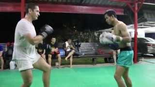 Muay Chaiya Baanchangthai (Pedro vs Ball)