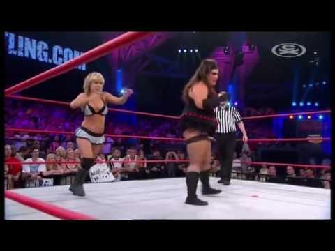 Taylor Wilde vs Rosie Lottalove