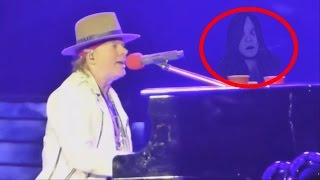 Un fantasma toca el piano de Axl Rose - Guns and Roses
