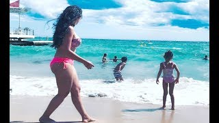 Sanjay Dutt Wife Manyata Rocks Bikini On Vacation
