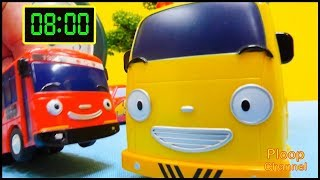 🕒 CLOCK SCHOOL CRASH #1 - Learn to Tell the Time with Tayo Bus & Lightning McQueen