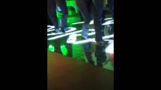 # 2,526 15 de Dorita el tío bailando cumbia libre
