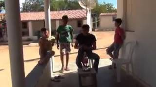 Olha o bote da cobra: mais um vídeo engraçado