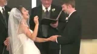 العروسة الضاحكة