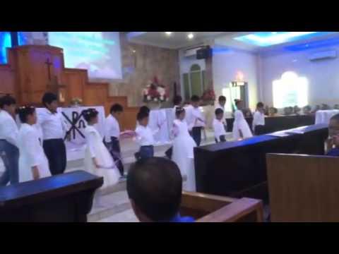 Tristan tari di gereja