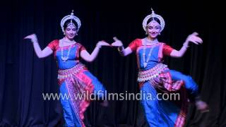 Indian girls perform Odissi dance in Delhi