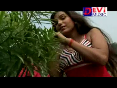 Chikni Kamar Par Karua Tel / Superhit hot and sexy bhojpuri video song / Devi Music