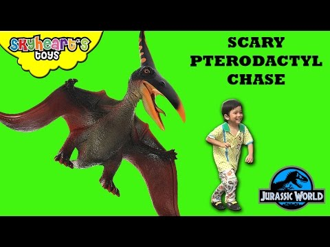 SCARY PTERODACTYL Chase Hunting for Dinosaurs toys kids Jurassic World Outbreak Eggs Toddler