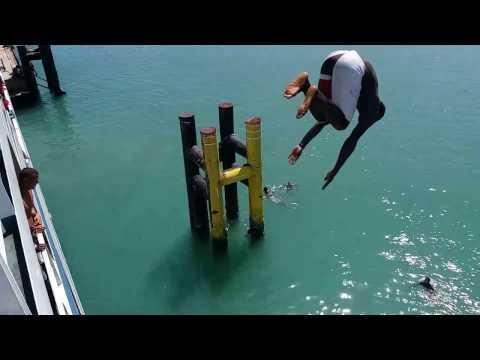 Salto da morte em FerryBoat na Bahia Ilha de Itaparica