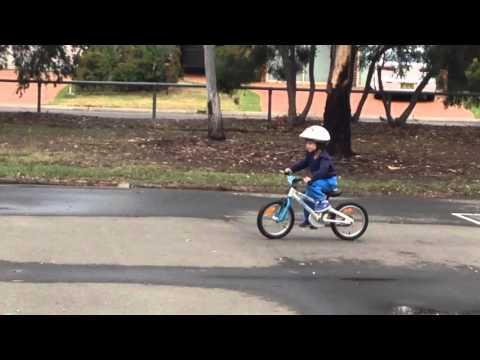 3yr old on BYK E250 2 wheel Peddle bike. 93cm tall