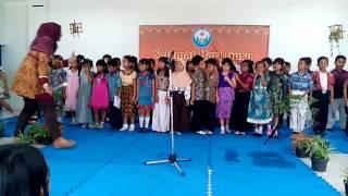 Puisi Indah di Hari Guru--Siswa Kelas 2 SD Labschool Unnes nyanyikan Guruku Tersayang #Hari Guru