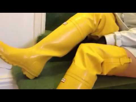 Thigh high osten hunter waders.flv