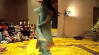 Best Lahore Mehndi Dance - WWW.HumMaza.Net [ Pakistani Chat Room ]