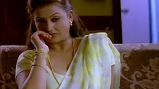 Sona is busy watching a movie | Pathu Pathu