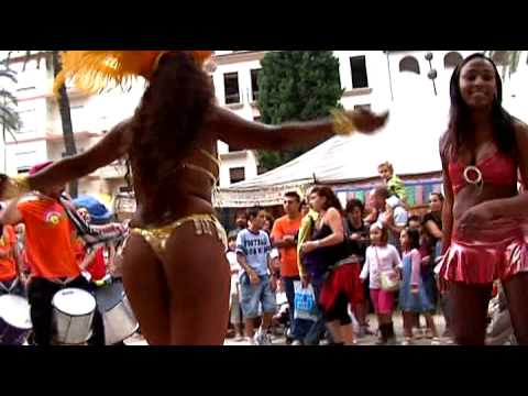 Pasacalles Benissa Capoeira Samba y Batukada