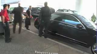 Janet Jackson Landing with her bodyguards at LAX