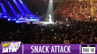 Rihanna swears at fans who launched crisps at her on stage - Just Sayin'