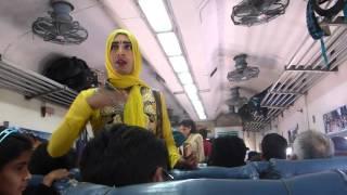 Inde 2016 - Hijra dans le train