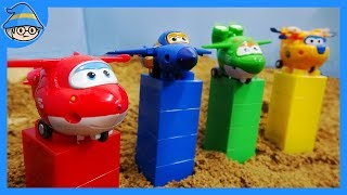 Super wings toys episode. Super wings is on the Duplo color block.