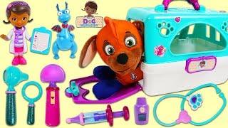 PAW PATROL Super Pup Zuma Visits Disney Jr Doc McStuffins Pet Vet Toy Hospital for Bath & Check Up!