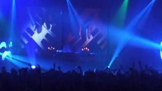 DJ Shadow - Organ Donor Live In Tune and On Time