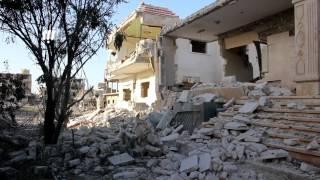 عدسة نبأ ترصد جانب من الدمار الذي حل بمخيم درعا وحي طريق السد في مدينة درعا