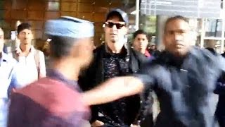 Shocking Video | Hrithik Roshan's bodyguard misbehaves with Media