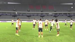 Cristiano Ronaldo Incredible control pass at Real Madrid Training l Shanghai 2015