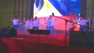 Filipino kids dance to Gentleman/Gwiyomi at the